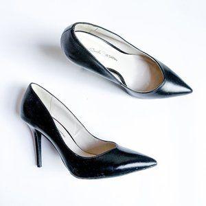 Roxy Earle x Le Chateau Black Heels